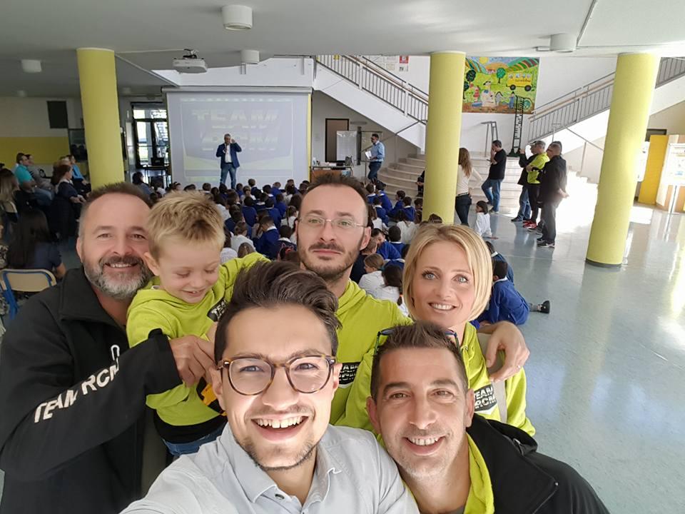 Monitor Interattivo distribuito alla scuola del comune di Vallefoglia foto 3